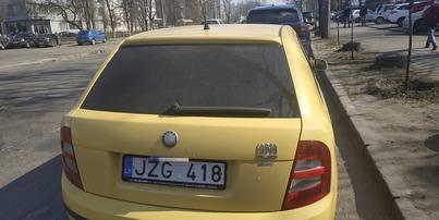 Реклама на авто Шкода Skoda fabia, 2000 в г. Киев - пробег 4000-5000 км/мес