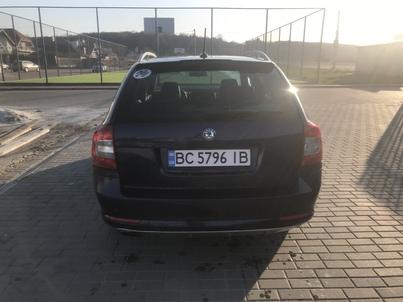 Реклама на авто Шкода Шкода Октавія А5 2012 в г. Львов - пробег 1000-1500 км/мес