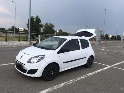 Реклама на авто Рено Renault Twingo 2011  в г. Киев - пробег больше 10 000 тыс км/мес