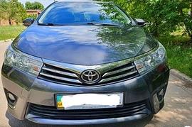 Реклама на авто Тойота Toyota Corolla, 2016 в г. Днепр - пробег 5000-7000 км/мес