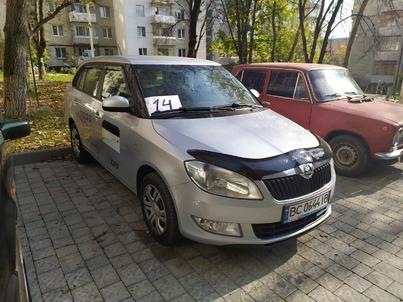 Реклама на авто Шкода Шкода Фабія 2014 в г. Львов - пробег 7000-10000 км/мес