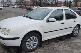 Реклама на авто Фольксваген Volkswagen Bora 1999 в г. Днепр - пробег 7000-10000 км/мес